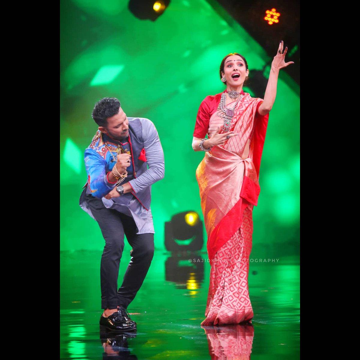 You know you are a true Mumbaikar when you take every opportunity to do the VISARJAN dance ! Ek alag feeling hain isme! Kya bolti hai publeek?  #IndiasBestDancer #IBD  #IBDOnceMore #Visarjan #Dance #BTS @SonyTV https://t.co/xQGhmLPDsH