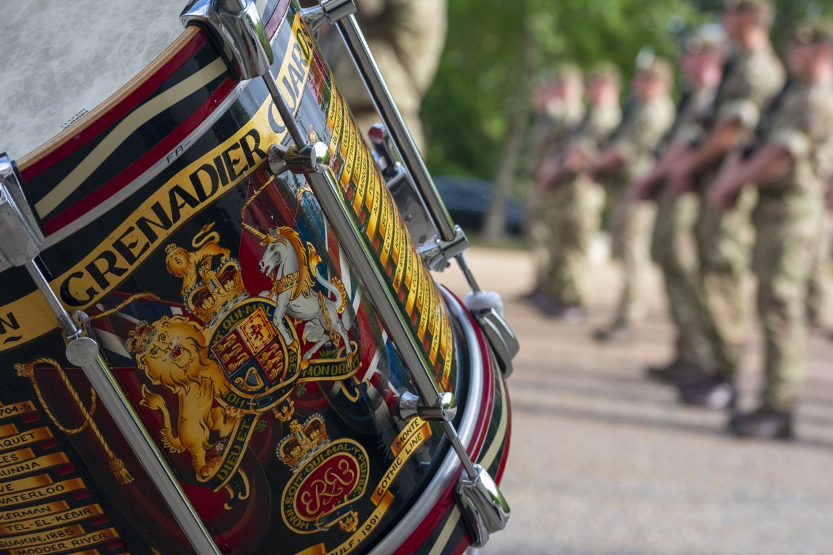 If you look carefully, on each sidedrum you will finds the names and years of Battle Honours the regiment has gained throughout their long history.