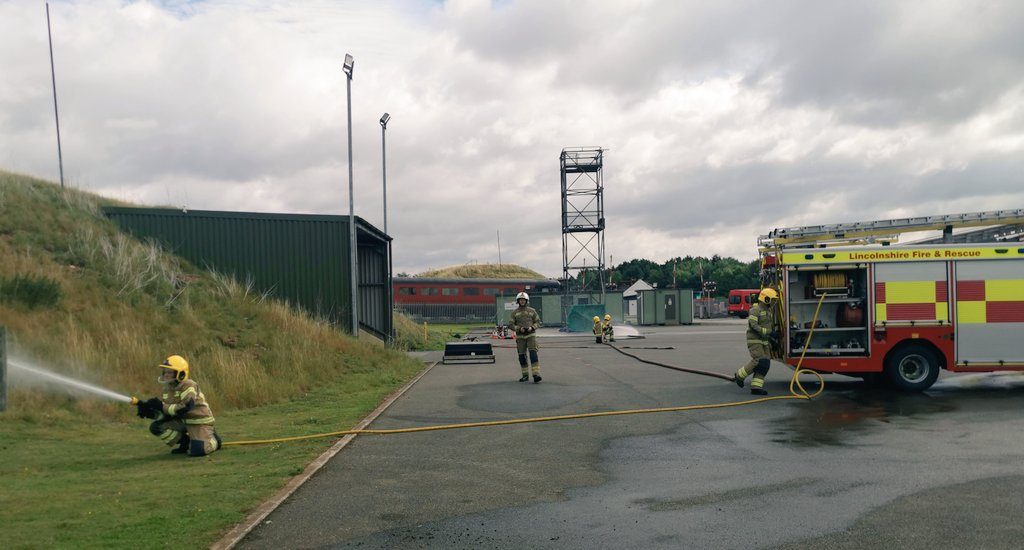 Pump operator course for phase Two Firefighters from across the service teaching them how to use multiple appliances and portable pumps. @WoodhallSpaFire @stamfordfireuk @LincolnSFire @granthamfire @HolbeachFire @LouthFire https://t.co/94MGVOqAwC