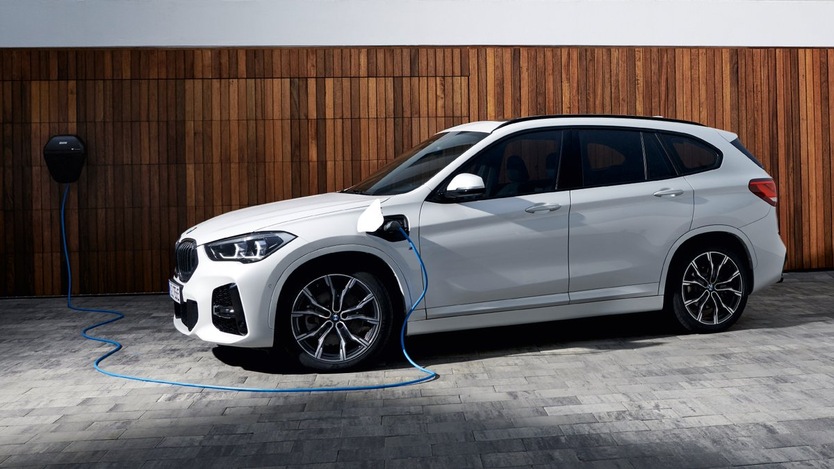 Recharged for your adventurousness. #TheX1 #pluginhybrid  The #BMW X1 xDrive25e. Energy & Fuel consumption (combined): 14.3–13.8 kWh/100 km, 2.1–1.9 l/100 km. CO₂ emissions (combined): 48–43 g/km. https://t.co/yQmOcndY4R https://t.co/5aiHXInaLr