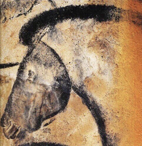 It is a quite remarkable fact that more time elapsed BETWEEN the painting of these ice age horses [LEFT: Chauvet cave >33,000 years ago and RIGHT: Niaux cave ~15,000 years ago] than has passed since the Niaux cave art and now! https://t.co/JlbvuRWsd6