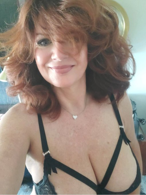 #AndiJames #RedHead  Hope you all had a great weekend! Have a great week!  Be Kind 🌈 Smile 😊 spread love