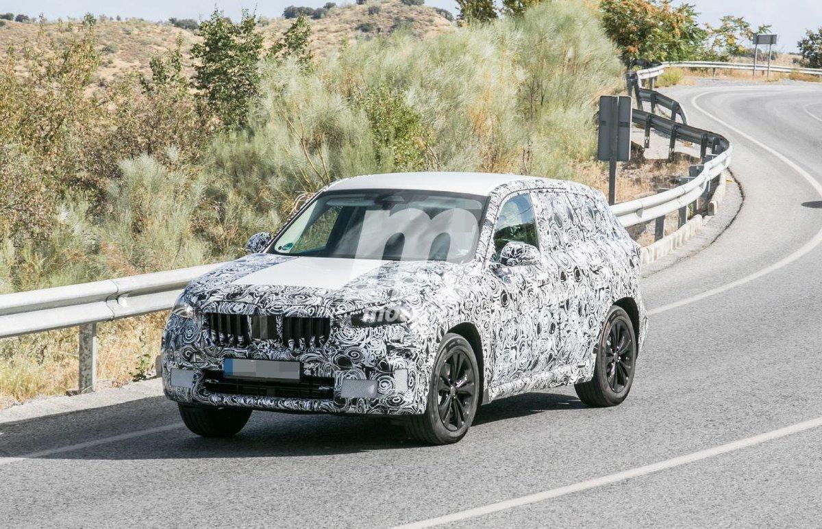 Nuevas fotos espía del BMW X1 2022 en el sur de Europa, el SUV al calor del verano  https://t.co/wZgGCL2OJX  @BMW @BMWEspana @BMWGroup #BMW #X1 #THEX1 #BMWX1 #SUV #Fotosespía #Spyshots #Scoops #Erlkonig #u11 #bmwu11 https://t.co/WeNyG4nI7z