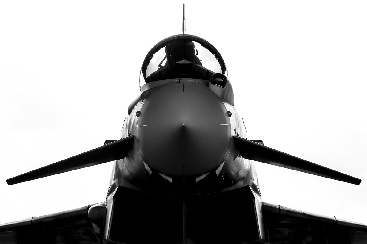 With over £470m being invested in RAF Lossiemouth to make it fit for the future, there's a role for everyone within #TeamLossie.   Regulars, reservists, civil servants, contractors... all contributing towards us #SecuringTheSkies and #SecuringTheSeas of the UK 🇬🇧. https://t.co/0NI5v58bfx https://t.co/ASIf1DOzK0