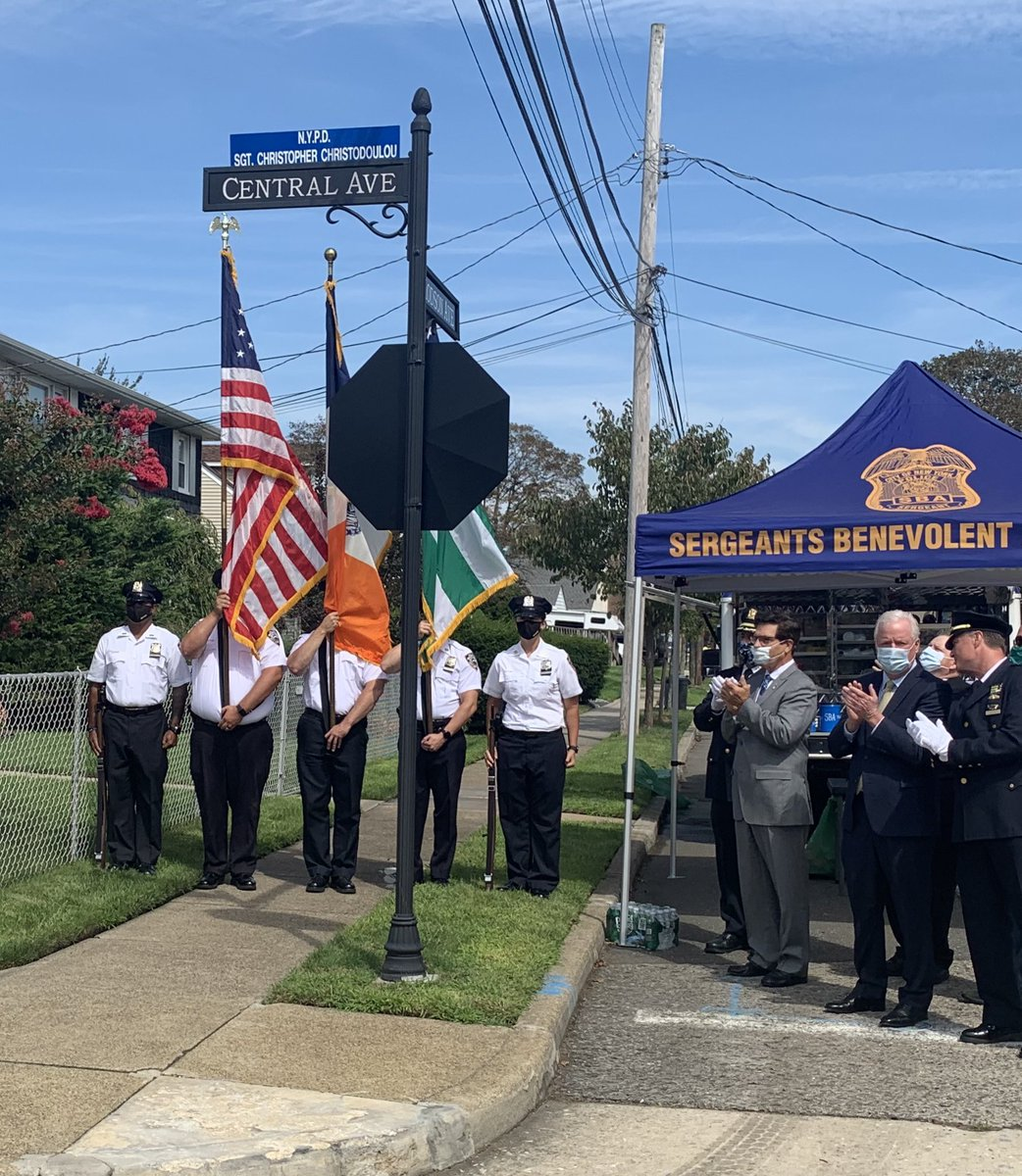 Honored to join the family, friends and colleagues of Sergeant Christopher M. Christodoulou to rename a street in #Nassau County in honor of this fallen hero.   Chris died from 9/11 related cancer.   We #neverforget our #fallenfinest https://t.co/UKmUmgtjKI