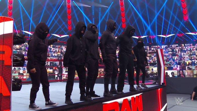 Monday Night Raw es Retribution.