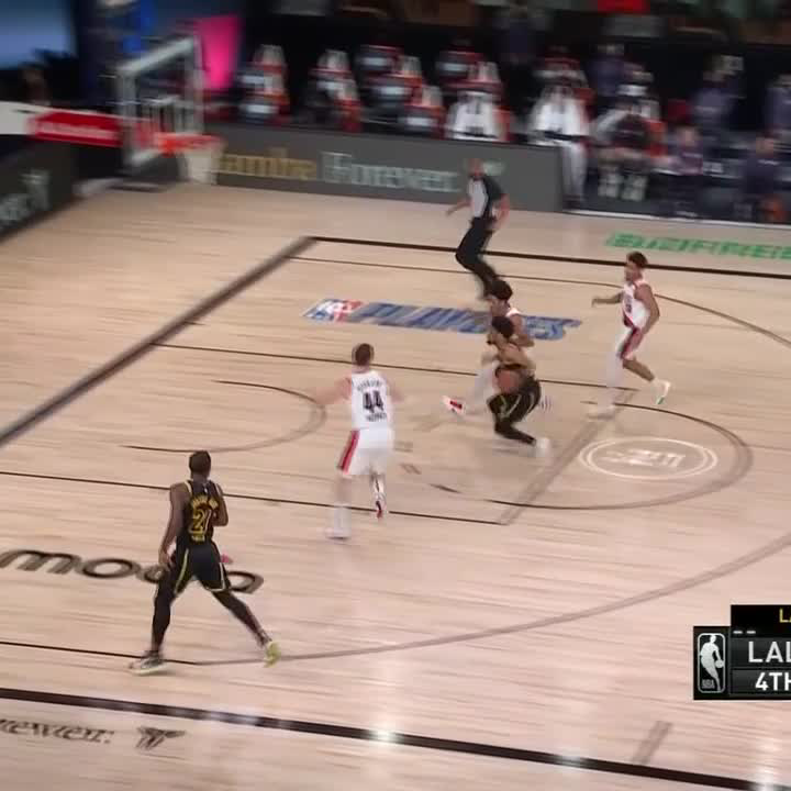 With this 3-pointer, JR Smith tied Kobe Bryant on the all-time list for playoff threes 🙏 @TheRealJRSmith https://t.co/nCLVY3ghjQ
