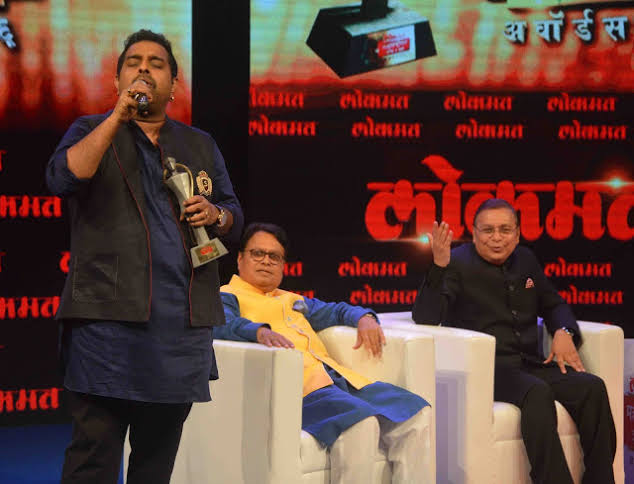 Shankar Mahadevan  is not only one of the best composers and singers but also a great human being. Yesterday, I chatted with him about '𝗔𝘁𝗵𝗮𝗿𝘃𝗮𝘀𝗵𝗶𝗿𝘀𝗵𝗮' which is his mastery.  (File pic) @Shankar_Live #TuesdayThoughts #tuesdayvibes https://t.co/5V1GUKyvlG