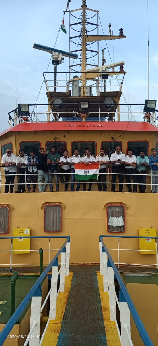 India becomes the only country in the world which facilitated crew change of >1 lakh seafarers.  Seafarers maintained supply chain globally, but they also suffered in pandemic due to lockdowns in the world.  @shipmin_india extends all support to seafarers in this trying times! https://t.co/q3gLkZrfR3