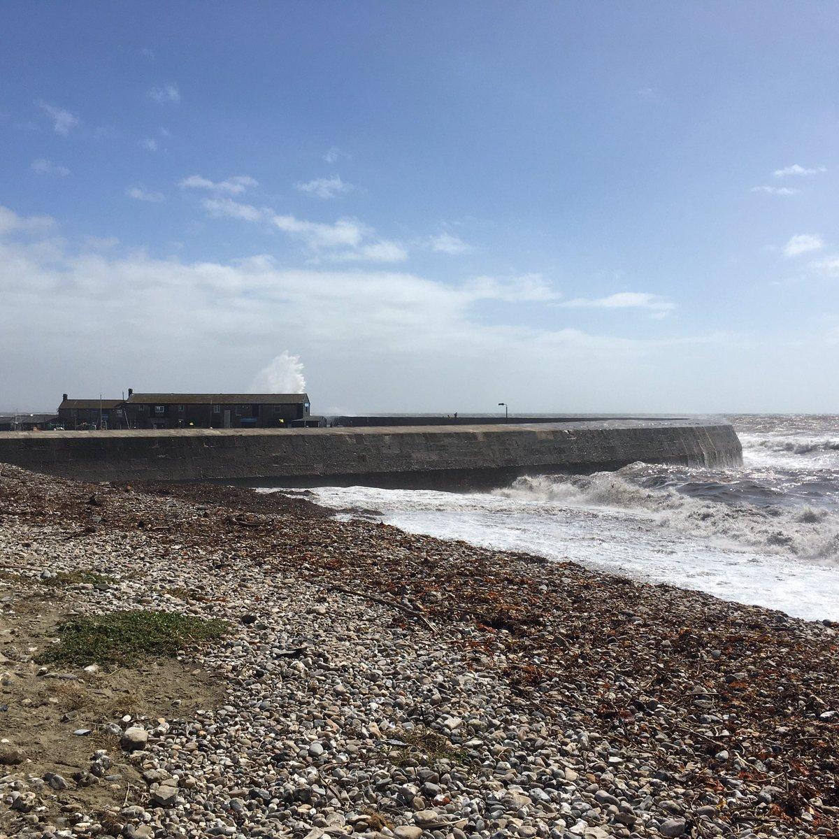 Stormy seas and blue skies in Lyme Regis. https://t.co/322JeJB4iN