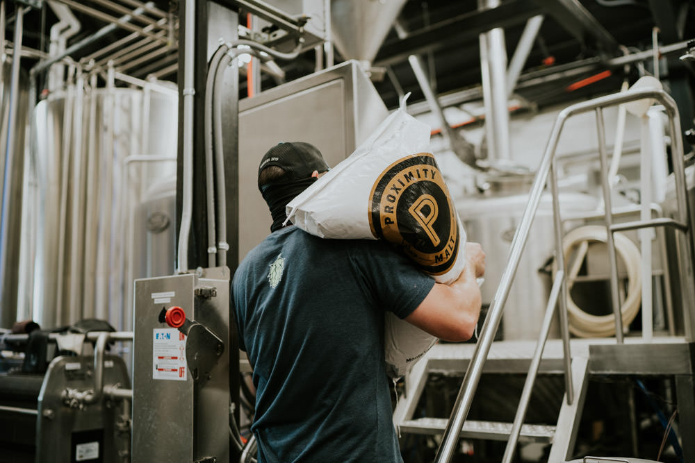 No Tuesday can ever be average when it's a brew day! What do you hope we're crafting today? #bosquebrewing #nmbreweries https://t.co/UXglhguDFg