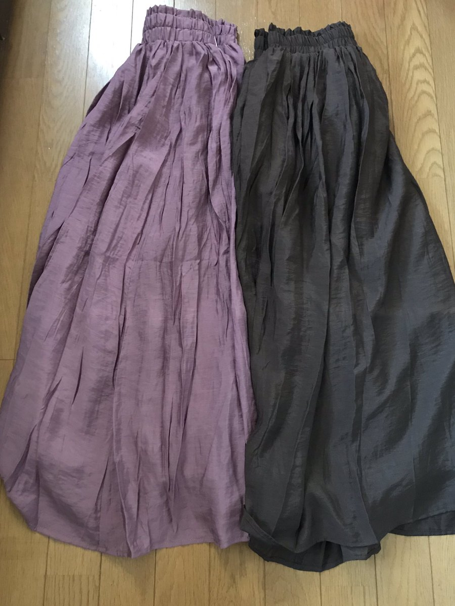 ♡しまパト🦓購入品♡HKの新作が気になってパト🦓してきたら、広告の¥900スカートが良くて追加購入😆💕ちょっと光沢があって高見えな感じ✨色は、ピンクとブラウンにしてみたよ!後でHKの購入品も紹介します❤️#しまむら#しまパト