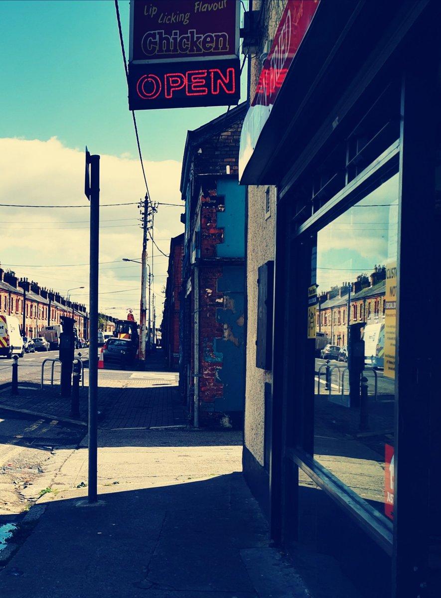 #Brunos  #OxmantownRoad #Stoneybatter #Dublin #streetphotography #twouptwodown #artisan #housing #Dublin7 https://t.co/yCQsmnaNNL