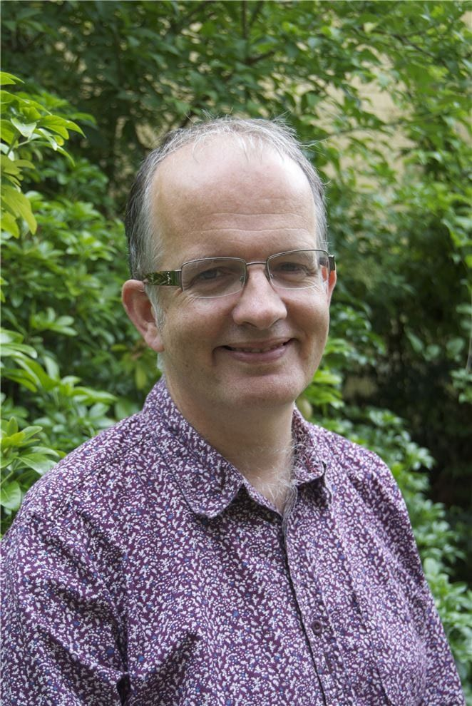 Meet the CABI editorial team:  Dave Hemming  Dave is Commissioning Editor for CAB Reviews and commissions books on #biotechnology and #invasive species.  https://t.co/bUpTW0Redq https://t.co/ewzpOIEl21