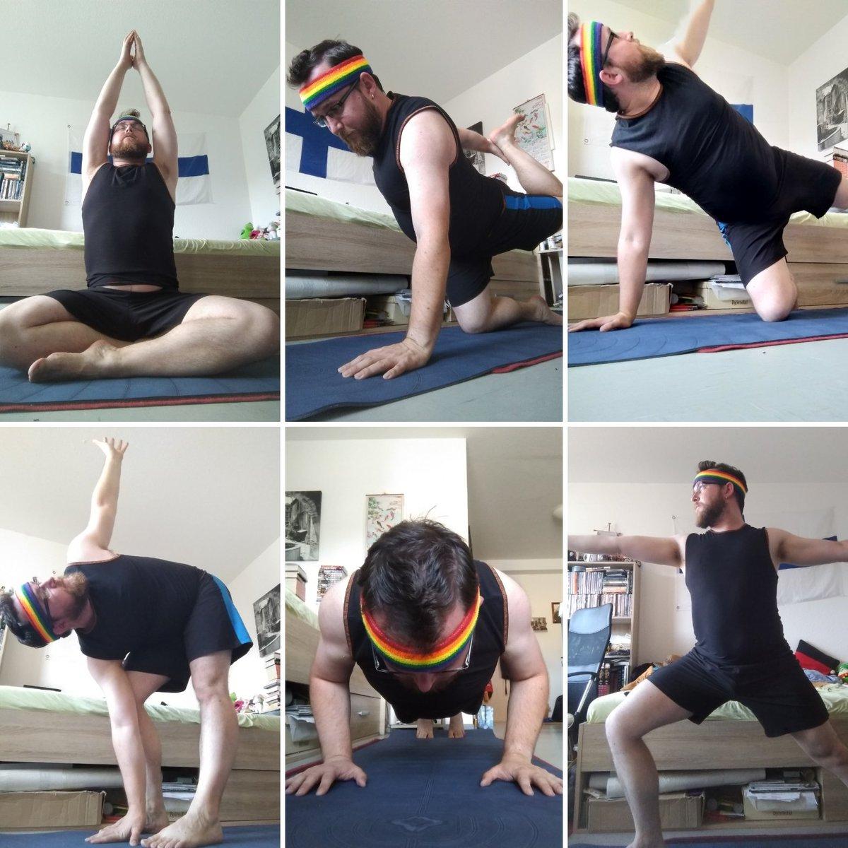 It was time for my weekly #yoga time!  #asana #spiceboy #sportyspice #rainbow https://t.co/O87uTQSbfA