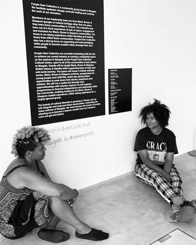 , Μια αλλιώτικη έκθεση με πανό του κινήματος Black Lives Matter, INDEPENDENTNEWS