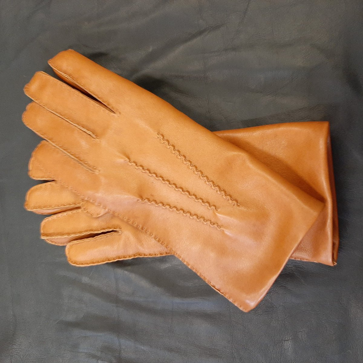 Coming soon... very exciting.  #leathergloves #familybusiness #Dublin https://t.co/LpwyHERMiv