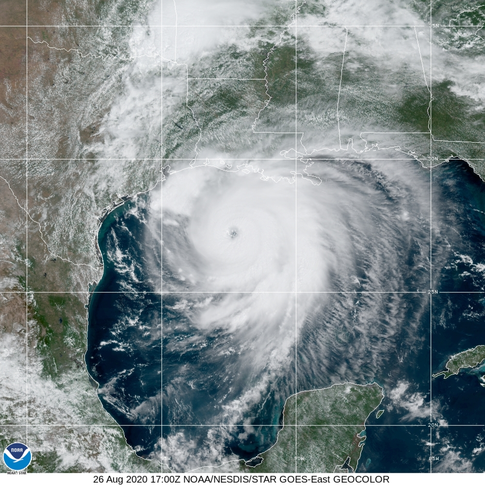 National Hurricane Center On Twitter 1 Pm Cdt Laura Is Now An Extremely Dangerous Category 4 Hurricane With Maximum Winds Of 140 Mph Little Time Remains To Protect Life And Property Before