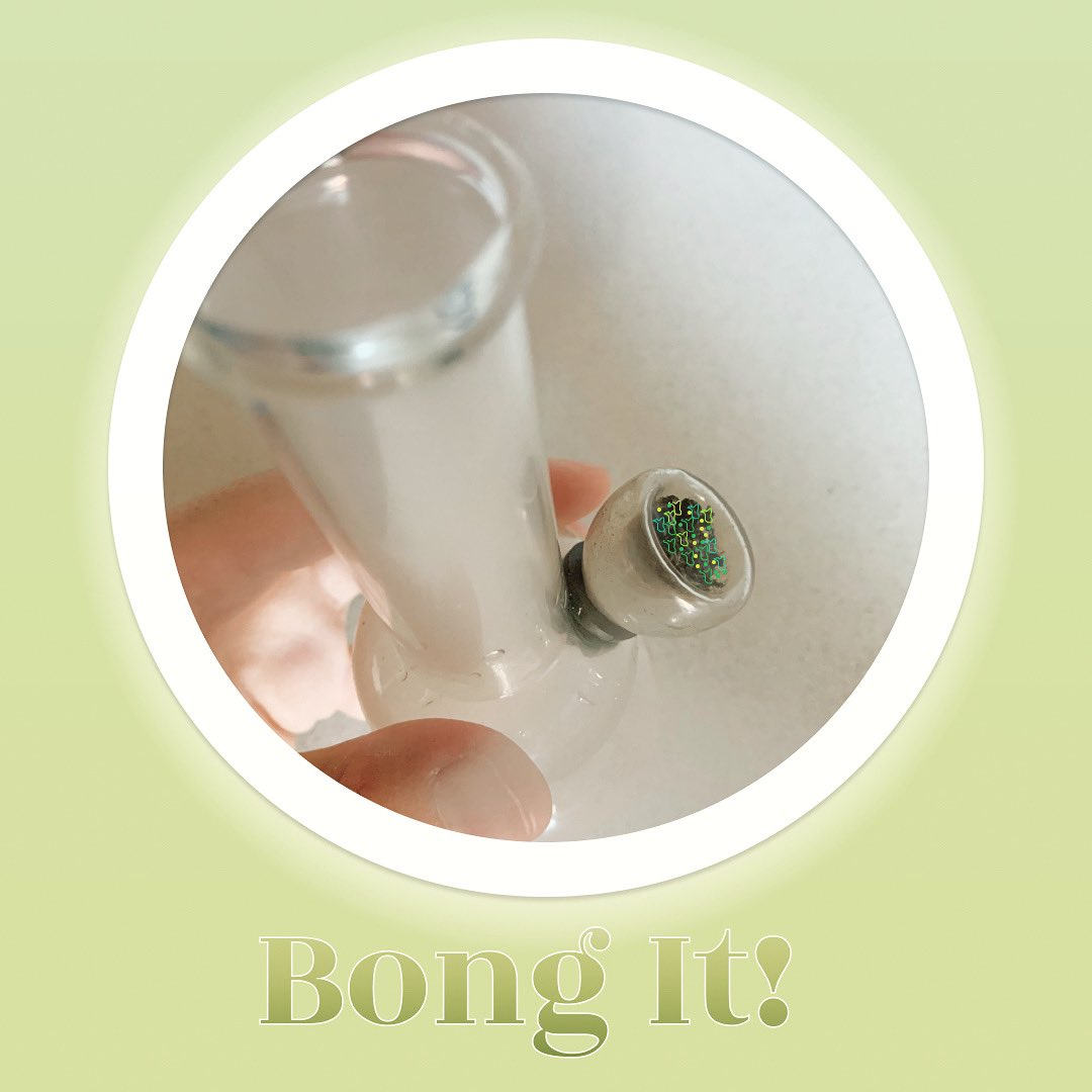 Buenas tardes y #FelizMiercoles hoy me metí un bongaso porque all day 👩🏼💻🌿que bien se siente !   👉🏼https://t.co/G0S48dI1g0 #CannabisCommunity #cannabisculture #Mmemberville #cannamismedicinal #psycodelican #cannabisjournal #420community #420FromHome #420babe https://t.co/CqEhbLl3sq