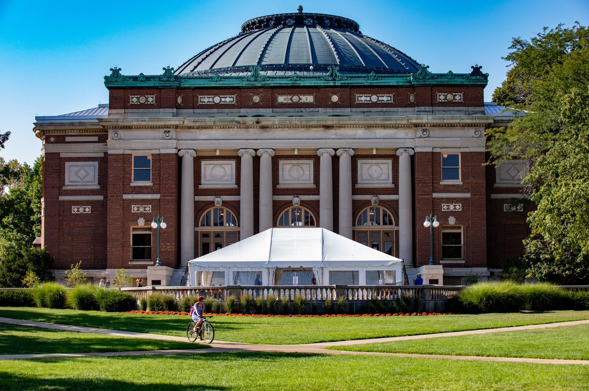 The University of Illinois at Urbana-Champaign has processed 105,000+ tests since testing began in July. This accounts for about 1-3% of daily tests in the nation.  The positivity rate on campus is 0.70% in the past five days, compared to the CDC's national average rate of 9%. https://t.co/0B7YACfI70