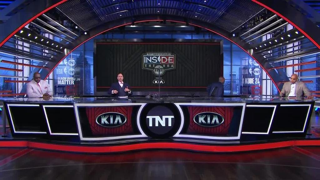 """""""As a black man, as a former player, I think it's best for me to support the players and just not be here tonight.""""  Kenny Smith walked off the set of Inside the NBA in solidarity with the players' boycott. https://t.co/VAaNvrro7D"""