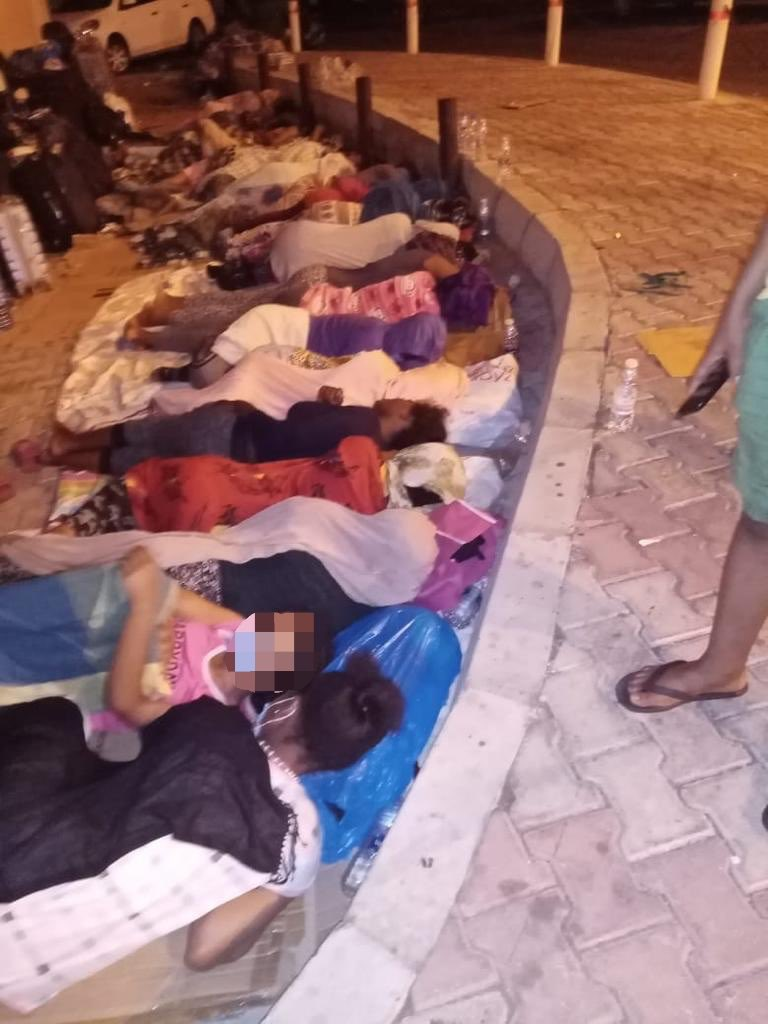 Our sister are sleeping on the street they are over 40 some dumped by their sponsors some ran from abuser what's worse than being forced to sleep like this. This is outside our embassy in Beirut we are providing food sanitizer, masks & tickets but we need to shout for these girls https://t.co/qQ8Wh0Emtf