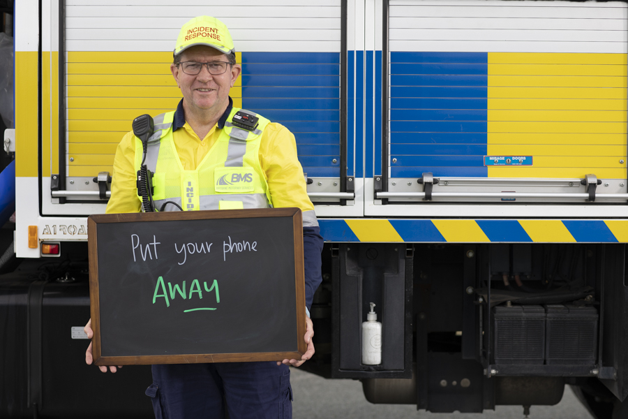 Rob, Motorway Response Officer, says nose to tails are preventable – focus on what you are doing and don't follow too close 🚗🚗  Put your phone away to avoid distraction 📵 What's your road safety tip? #WeCanAllBeHeroes #QRSW @StreetSmartsQLD #RoadSafetyF1rst https://t.co/rWqODGEDPV