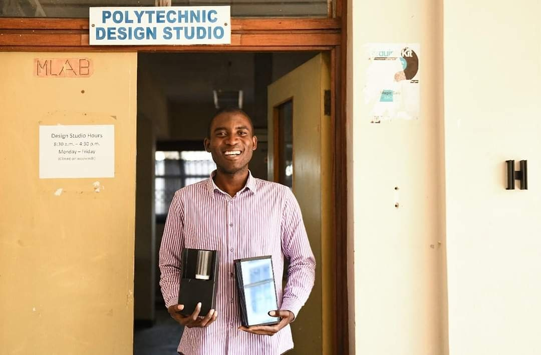 Meet the UNICEF COVID19 Youth Challenge Top 10   Brenald Dzonzi: Touch-Free Disinfection in Public Places  He and a friend have designed a touch-free hand sanitization unit. Read more about their innovation here:  https://t.co/Bbf68xALnq  #poweredbysegalfamilyfoundation https://t.co/gTSMtpoTfu