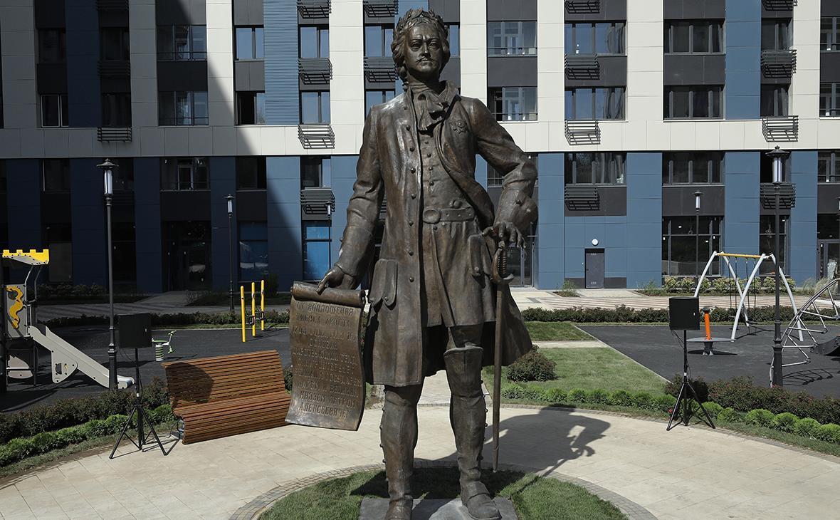проводится скульптуры церетели в волгограде с фото жилья