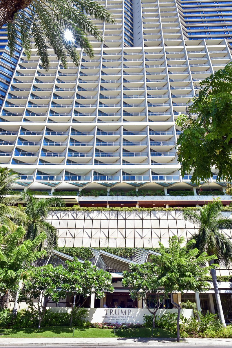 We are thrilled to announce that @TrumpWaikiki was named in #ForbesTravelGuide's annual 2021 Star Rating List! This will be the 7th consecutive year that they receive the coveted 𝗙𝗼𝗿𝗯𝗲𝘀 𝗧𝗿𝗮𝘃𝗲𝗹 𝗚𝘂𝗶𝗱𝗲 𝗙𝗶𝘃𝗲-𝗦𝘁𝗮𝗿 𝗛𝗼𝘁𝗲𝗹 𝗔𝘄𝗮𝗿𝗱. ⭐️⭐️⭐️⭐️⭐️ https://t.co/QqnUhZ0D96