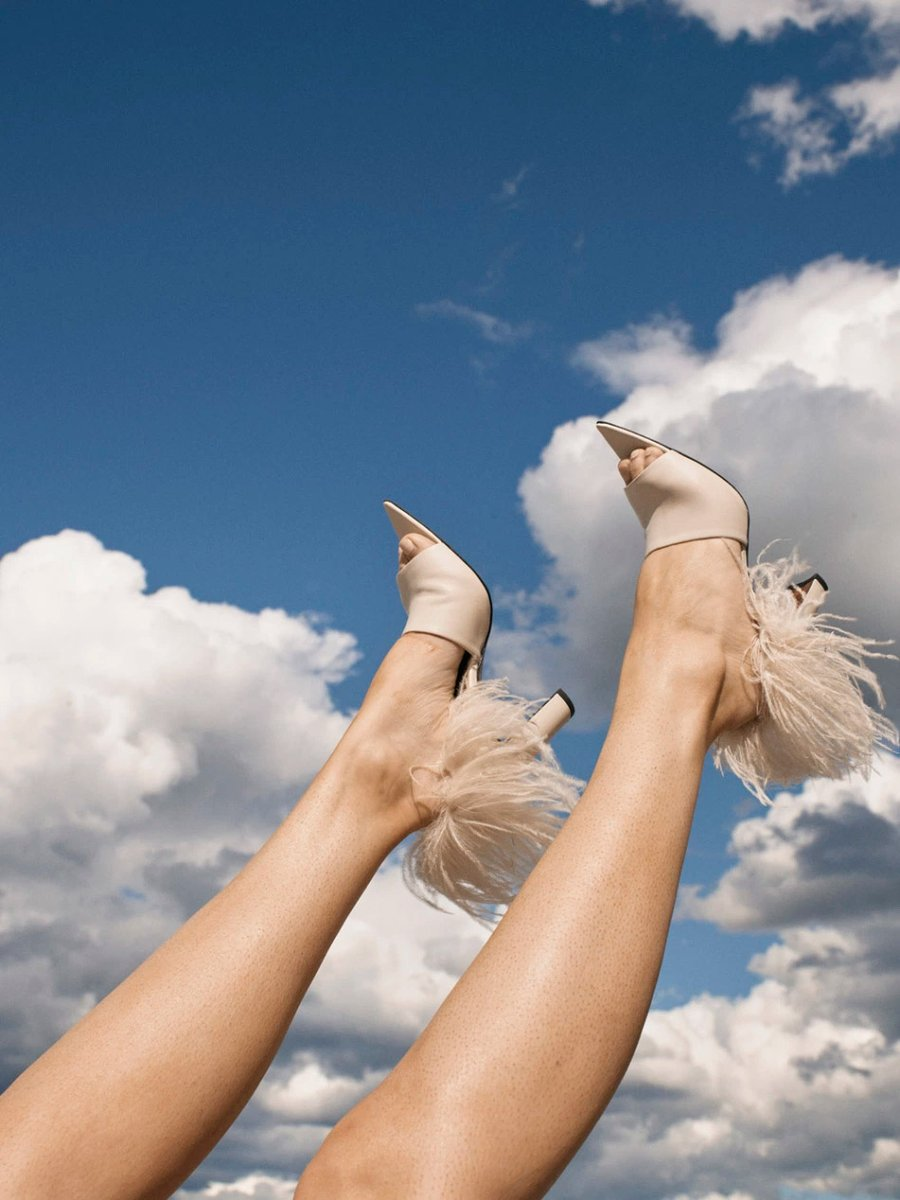Eyes to the sky  #AtPatelier SS2021  #infurmagazine #infurmag #magazine #fashionmagazine #fashion #slowfashion #furs #ootd #stylefashion #fashioninfluencer #feathers #fashionstyle #fw #fashionweek #sandals #fashionstatement #styleinspo #wiwt #trendy #trends #ss21 #newcollection https://t.co/PJ9Yl2tQ9v