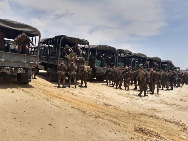 #SeuExércitoNuncaPara - Comando de Fronteira Solimões/8⁰ Batalhão de Infantaria de Selva percorre 1.600 Km pelo Rio Solimões para participar da #OperaçãoAmazônia. Veja mais no Hot Site da Operação: https://t.co/0uGNaNSIGg https://t.co/qrW3OIF0UY