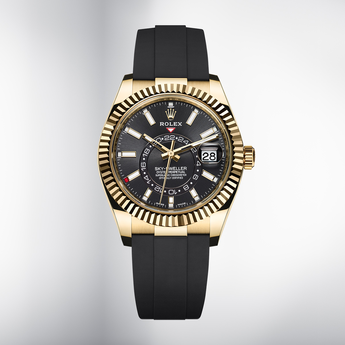 The new #SkyDweller in 18ct yellow gold is fitted with an Oysterflex bracelet; it is the brand's first watch from the Classic category to feature this innovative bracelet made of high-performance black elastomer. More https://t.co/93XvNwlyU5 #NewWatches2020 https://t.co/ZCzOs9ONMx