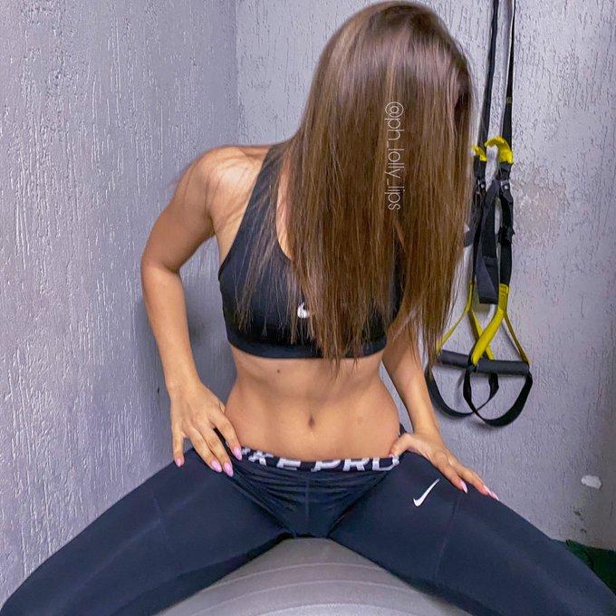 Photo in gym  🏃♀️  #gym #girl https://t.co/5beRQqHHwO