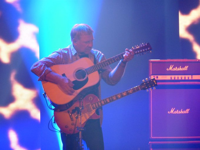 Happy Birthday to the great Alex Lifeson of Here s to many, many more!!
