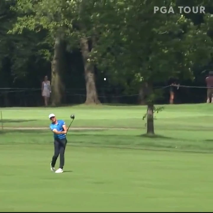 RT @PGATOUR: Viktor Hovland with driver off the deck. 🙌  Check out the camera angle. 😳  #QuickHits https://t.co/MN8uvpt0gd