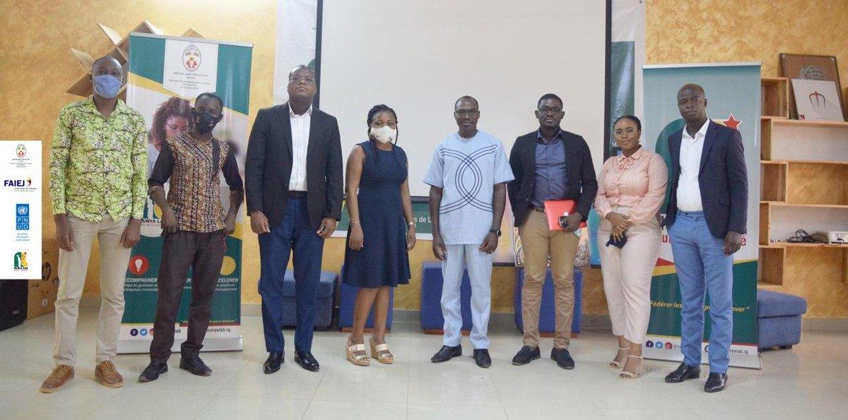 Nous avons eu l'occasion de discuter avec les potentiels partenaires du Lab sur les difficultés éprouvées et les solutions à apporter pour améliorer l'accompagnement des jeunes entrepreneurs. Merci pour les échanges.   #nunyalab #faiej #togo #partenaires https://t.co/pNLQMqzZzO