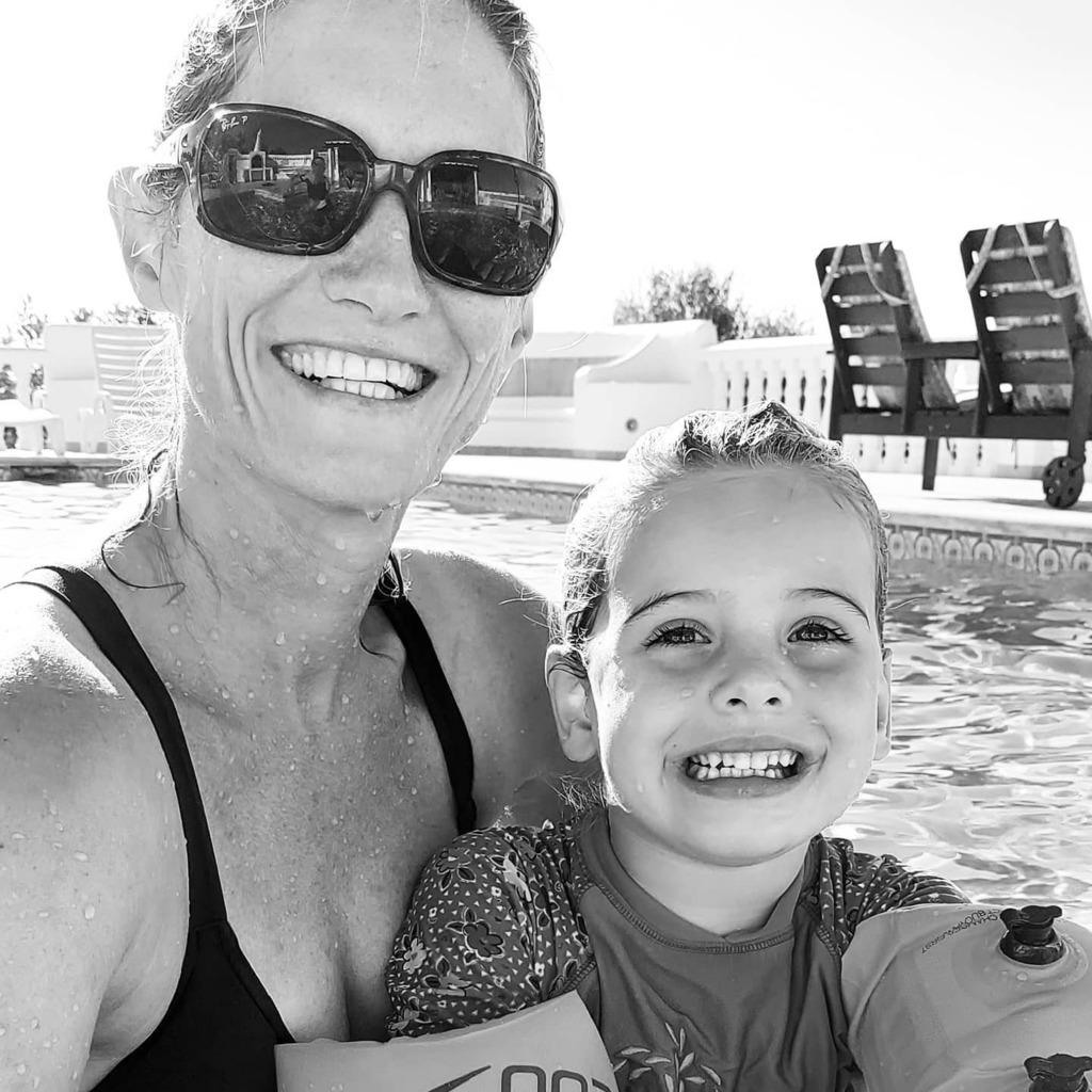 test Twitter Media - Sunshine days with my girls. . #portugal🇵🇹 #poolside #break #swimming #learning #smiles #likemotherlikedaughter https://t.co/8UvXqKmq42 https://t.co/ieEkbIs6DR