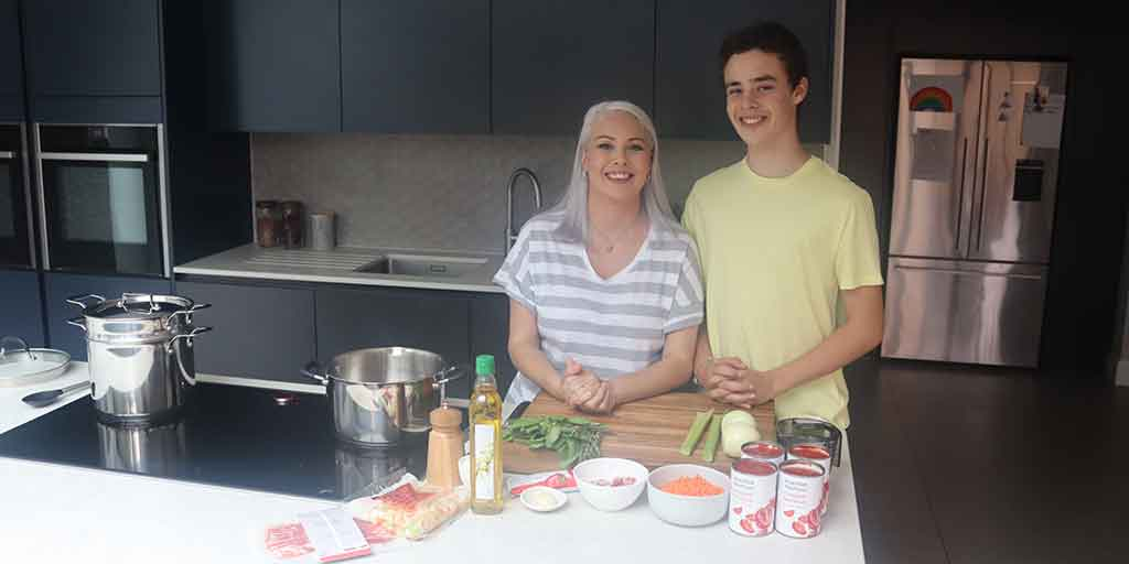 It's back to school this week and our Food Editor Silvana is trying to get organised by batch-cooking some simple beef mince ragu to stash in the freezer.   View the full video here: https://t.co/E8V5Q1Xtb8 https://t.co/cIO9Gl7dxb