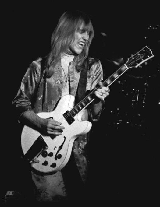 Happy Birthday to one of my favorite guitarist Alex Lifeson of Rush
