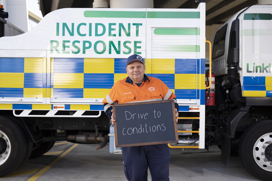 Duane, Incident Response Officer, loves getting you from a stressful situation to a happy place. You can be a road safety hero too – remember to drive to suit the conditions. What's your road safety tip? ✅ #WeCanAllBeHeroes #QRSW @StreetSmartsQLD #RoadSafetyF1rst https://t.co/3nUf5zDrc1