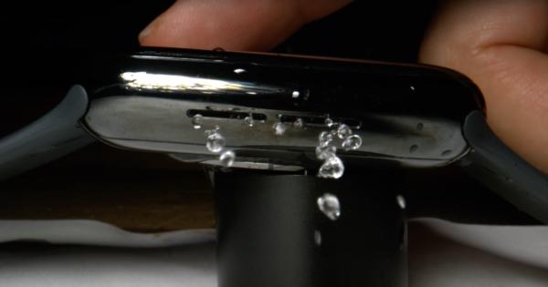[ชมคลิป] ดูการทำงานของระบบดันน้ำออกจาก Apple Watch ด้วยกล้องความเร็วสูง 2000 เฟรม ต่อวินาที Apple ออกแบบได้ฉลาดกว่าที่คิด https://t.co/YfnZl2vdrk https://t.co/VgzuKMA43T