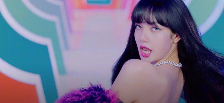 Lisa Pics On Twitter She S Rocking Every Hairstyle Lisa Icecream Blackpink