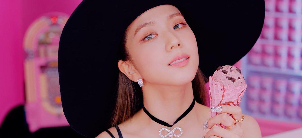 Jisoo Looks On Twitter Jisoo For Ice Cream Superior Blackpink 블랙핑크 Blackpink Jisoo 지수 Icecream
