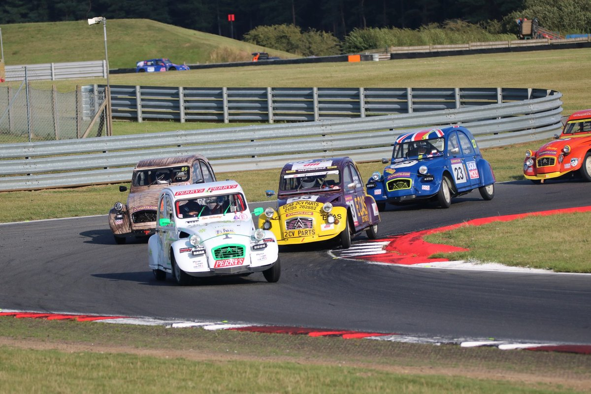 Snetterton is set to host the annual 2CV 24 Hour race this weekend.  If you fancy coming along, please note that you need to book by 4pm today. Click below for full info.  https://t.co/Kgv112ookX https://t.co/ZpB5ssymAR