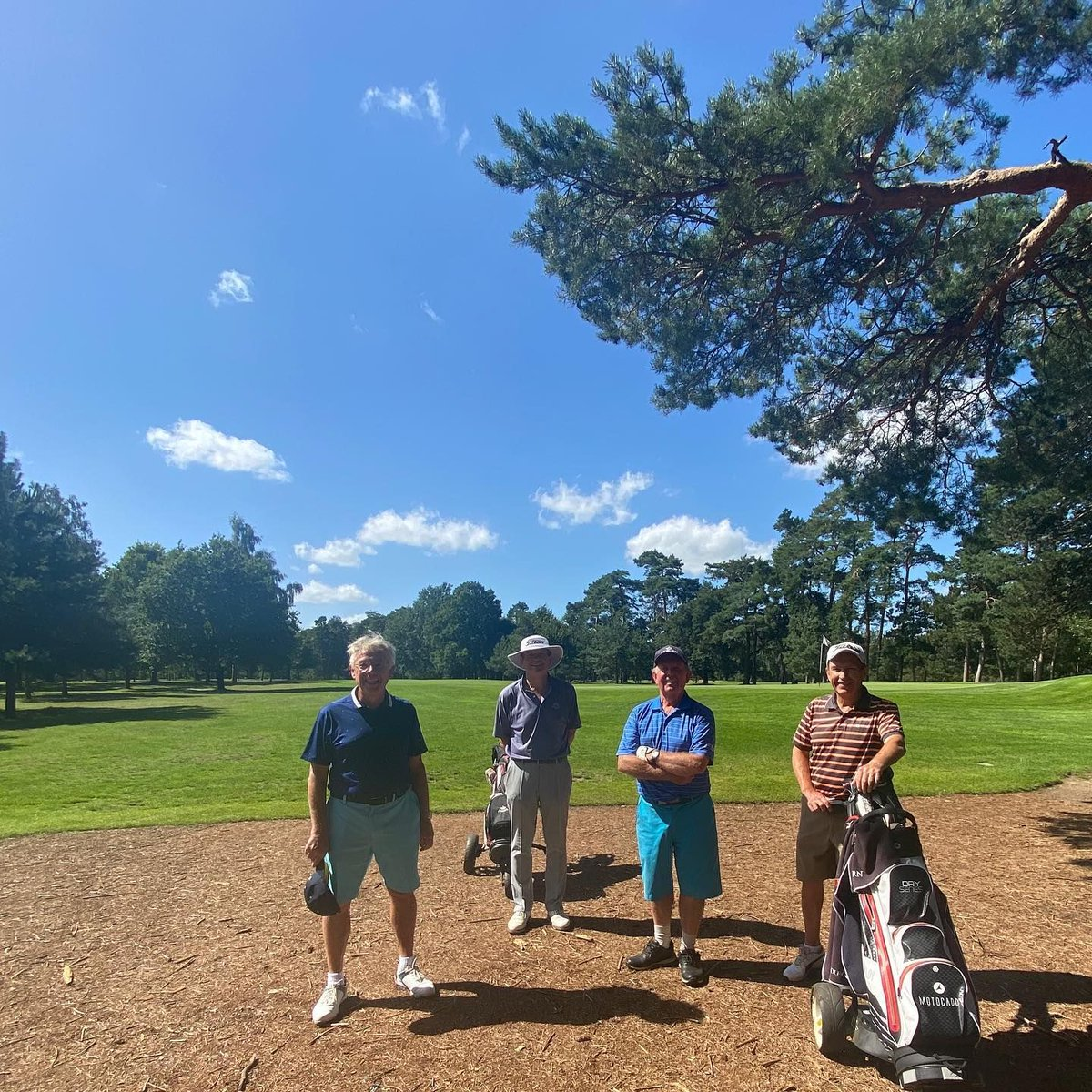 #FundraisingFriday A huge thank you to Woburn Golf Club for raising an astonishing £13,200 at their Golf Day last week. That covers the total cost of all our care for 24 hours! It's just the start though, as Woburn Golf Club will be continuing to fundraise for us 💙 https://t.co/pa0tIcya6u