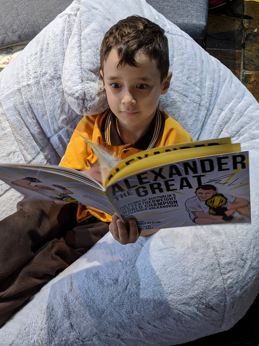 Finally picked up a copy of #AlexanderTheGreat I ordered for the boys My 6yo read it twice in the car on way home, and once again to his little brother when inside It's great to have an athlete like @alexvolkanovski, grow up in our region to inspire kids to chase their dreams https://t.co/GiyXAs326y