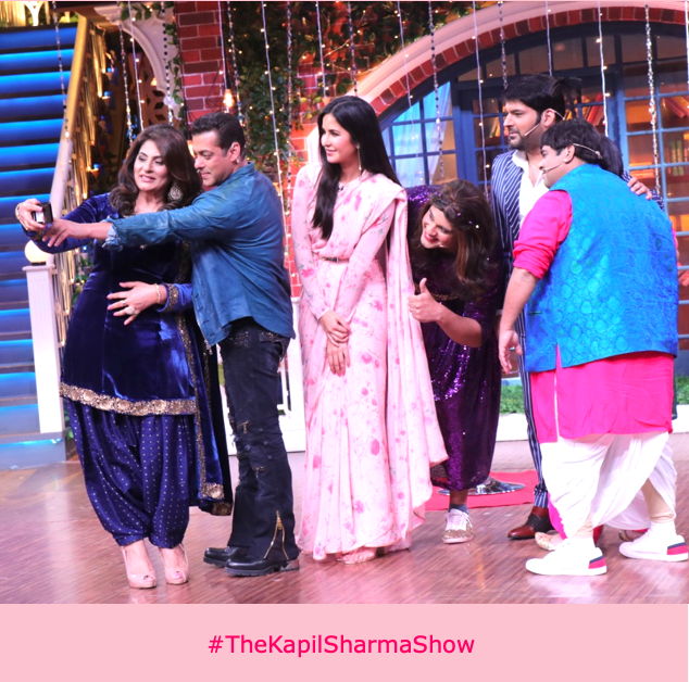 Trying to get that perfect selfie with the gang! #FridayFeeling @apshaha @BeingSalmanKhan #KatrinaKaif @KapilSharmaK9 @Krushna_KAS @kikusharda  #TheKapilSharmaShow #WeAreBanijay