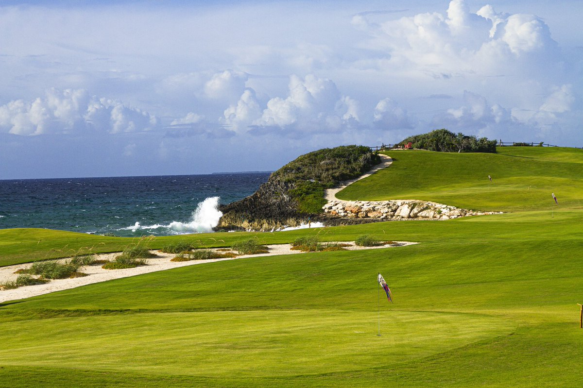 .@TigerWoods and Jack's Bay Company, developers of the new Jack's Bay private club and community in Rock Sound, Eleuthera, Bahamas, announce The Playground, a 10-hole, par-3 golf course with holes ranging 55-170 yards and a variety of configurations https://t.co/LukSWpzz3H https://t.co/PJyc7T5BgX