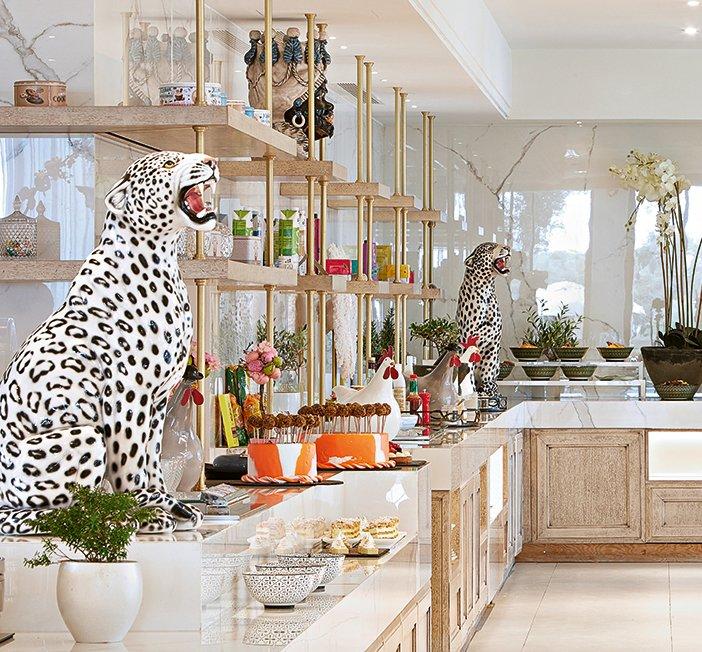 Roar art at Mon Repos buffet restaurant #GrecotelCorfuImperial  #luxuryresort #corfu #greece #luxuryliving #travel #luxuryhotel #corfuisland #infurmagazine #bestview #traveling #traveler #luxury #luxurylifestyle #vacay #hotel #summeringreece #ioniansea #ionianislands https://t.co/GHY0YLvbJA